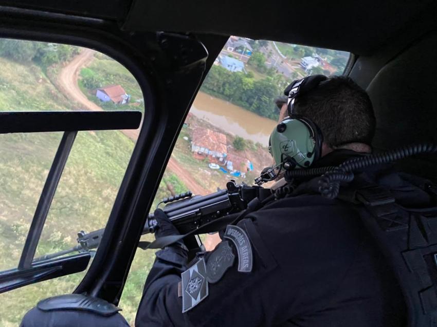 Polícia faz operação contra tráfico de drogas na região