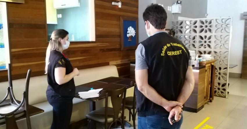 Vigilância realiza fiscalização e orientação de normas de combate à Covid