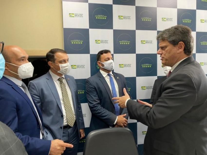 Em Brasília, governador acompanha lançamento das obras na BR-163 e anuncia R$ 50 milhões em recursos do estado para os trabalhos
