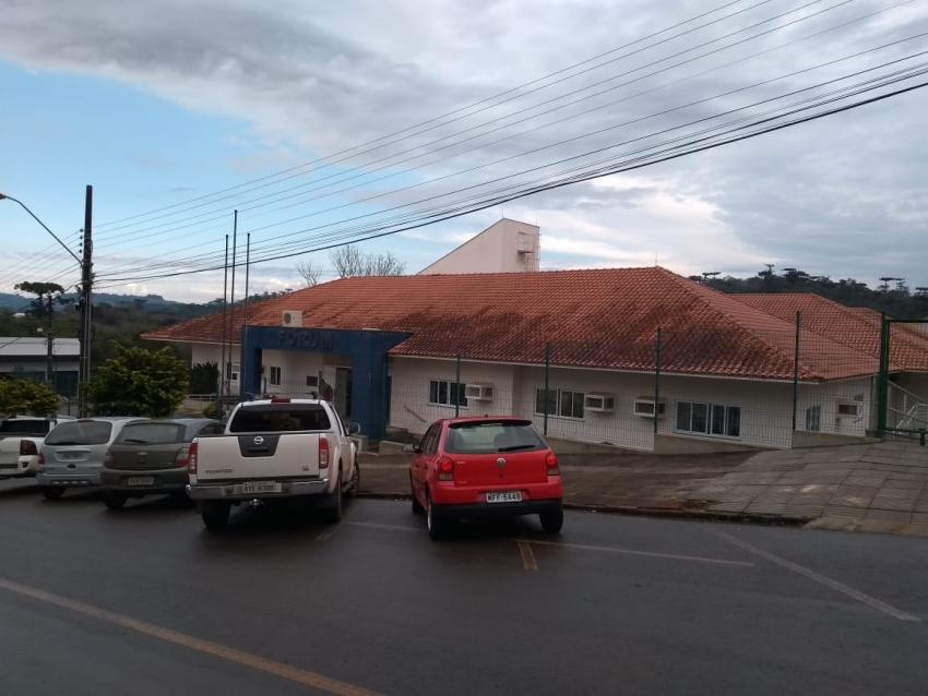 Fórum reabre em São Domingos
