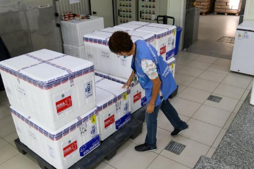 Estado recebe novo lote de doses da vacina Coronavac