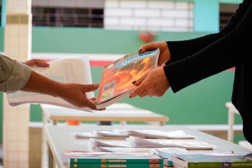 Após concluir avaliação semestral, Educação estima apoio pedagógico para 26% dos alunos da rede