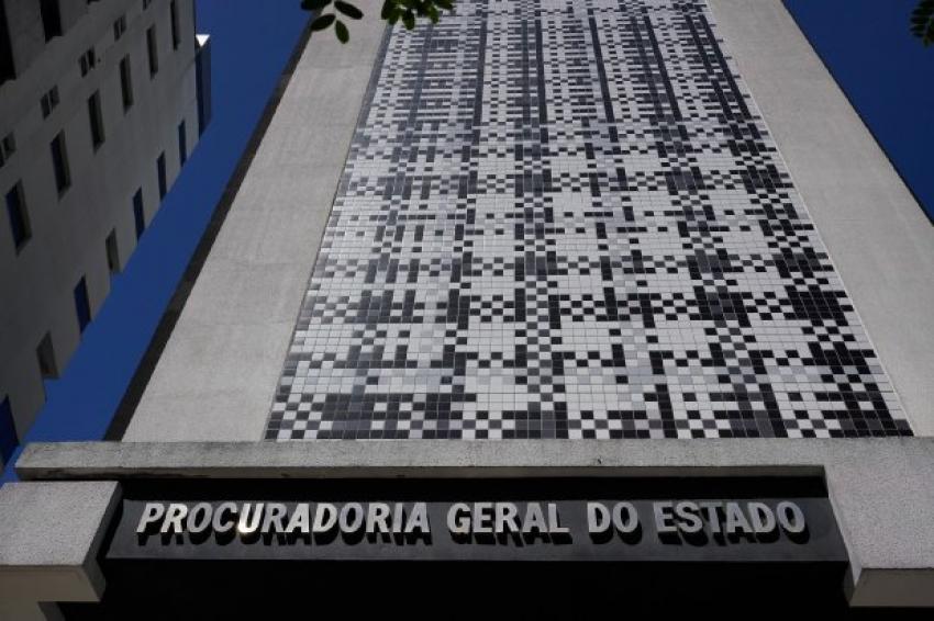 PGE institui procedimento para acompanhar cumprimento de decisões judiciais