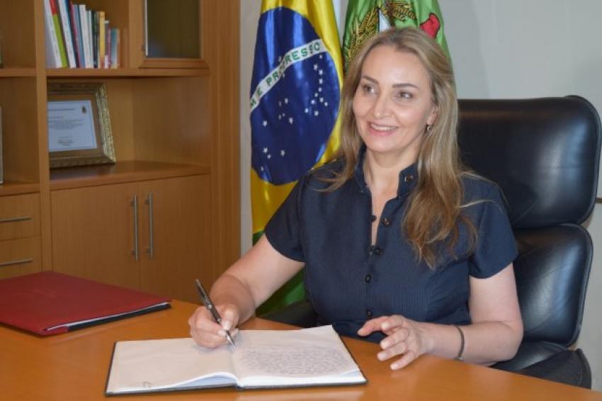 Governadora Daniela Reinehr toma posse oficialmente em Florianópolis