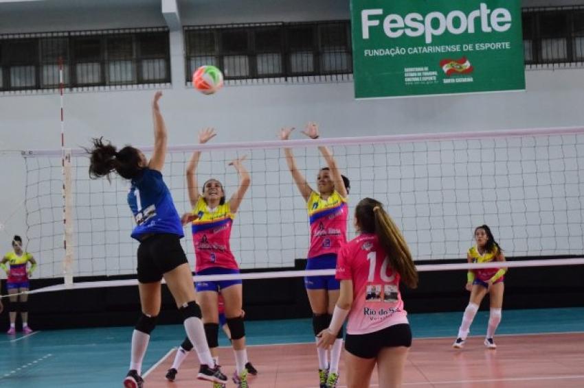 Fesporte repassará às escolas catarinenses mais de R$ 4 milhões em kits esportivos
