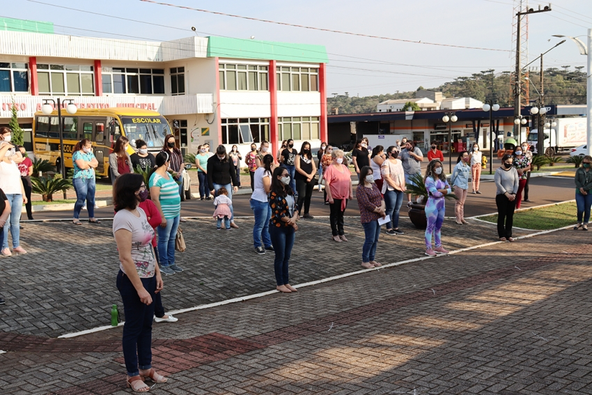 Secretaria de Educação realiza abertura da Semana da Pátria em São Domingos