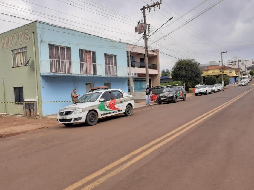 Enteado mata padrasto no centro em São Domingos
