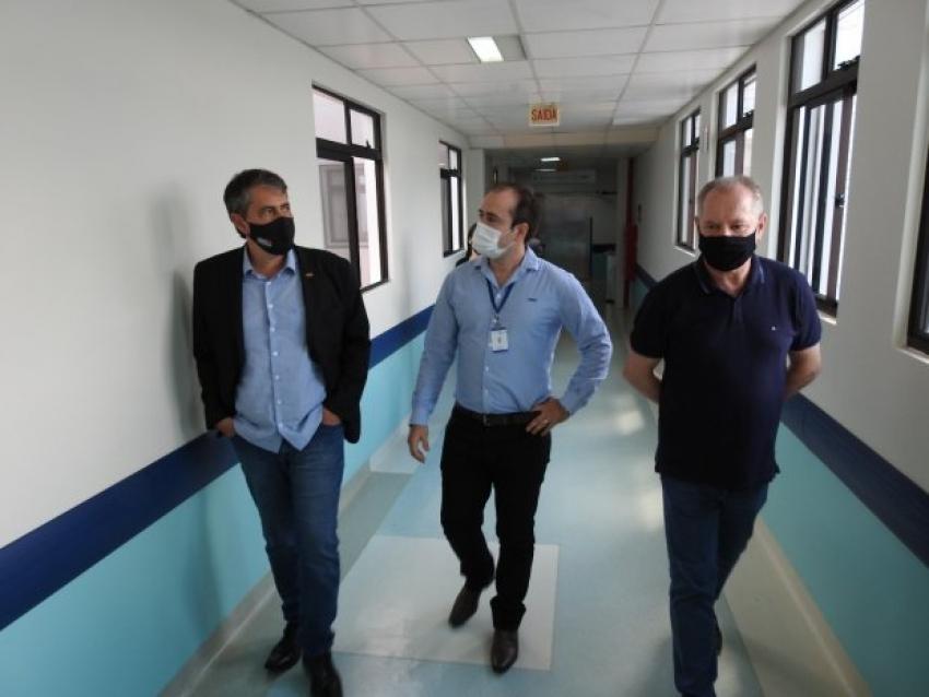 Coronavírus em SC: Secretário da Saúde anuncia cinco novos leitos de UTI para São Miguel do Oeste em visita ao Hospital Regional