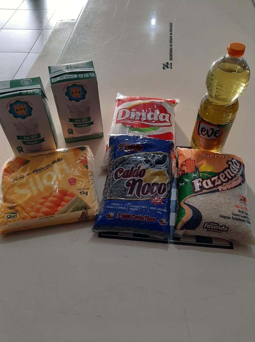 Kit alimentação será entregue hoje para alunos da escola João Roberto Moreira, em São Domingos