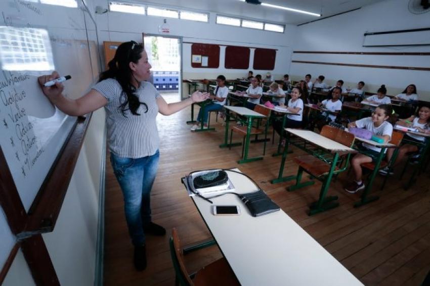 Nova remuneração mínima para o magistério estadual começa a ser paga em Santa Catarina