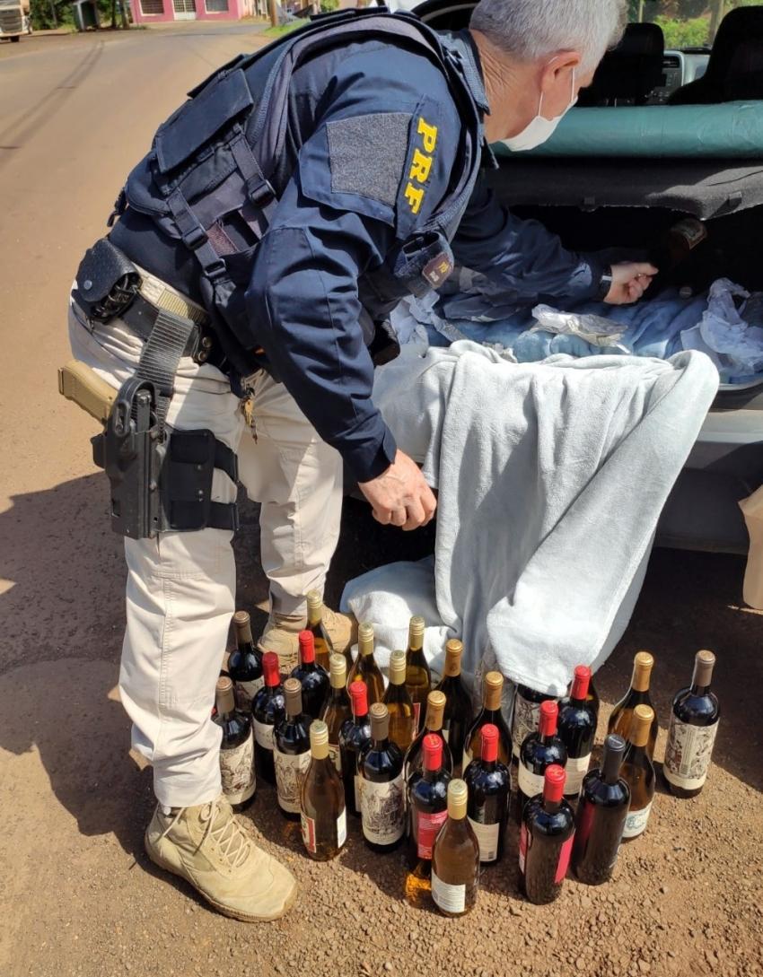 Garrafas de vinho argentino importadas irregularmente são apreendidas na BR-282