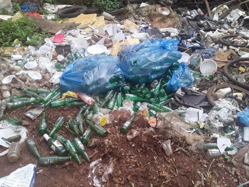 Depósito de lixo a céu aberto deixa comunidade indignada em São Domingos