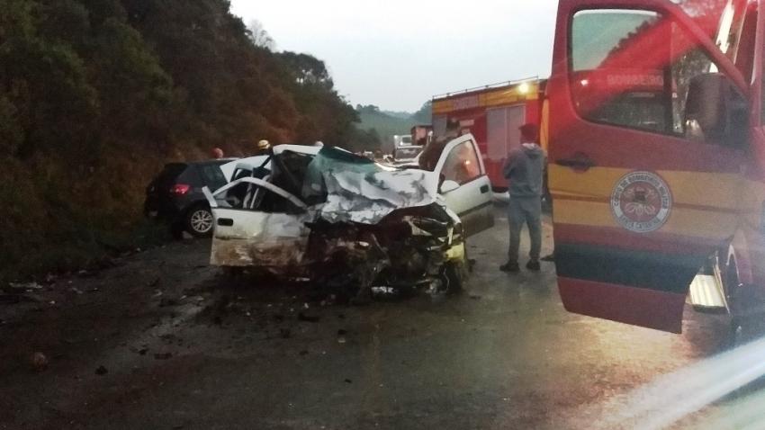 Grave acidente deixa quatro pessoas mortas na BR-282, em Ponte Serrada