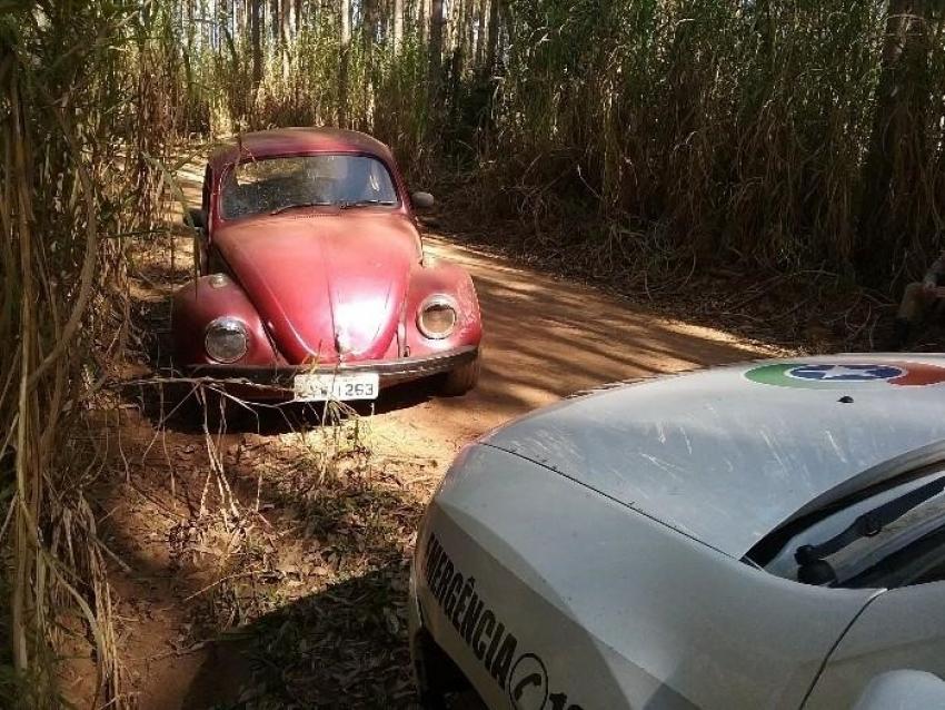 Fusca com placas de Coronel Martins é localizado abandonado no interior de Novo Horizonte
