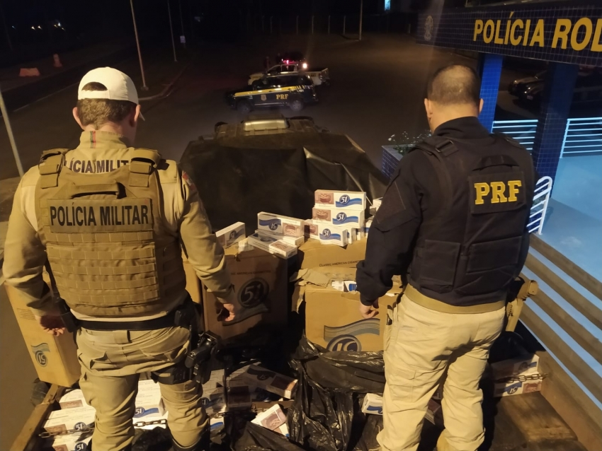 Caminhão com cigarros contrabandeados é apreendido no Oeste