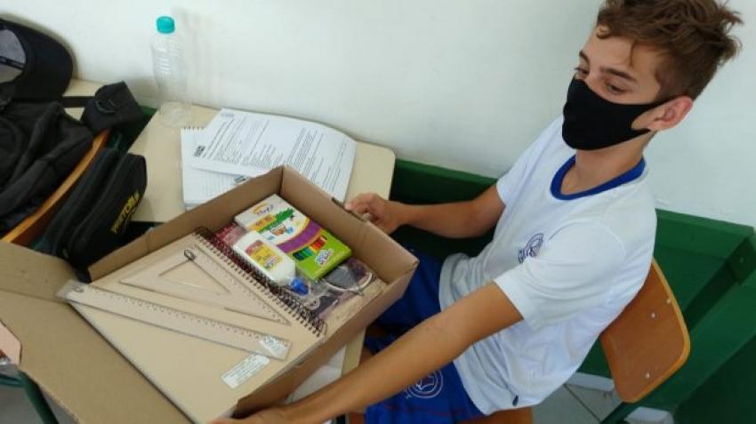 Governo do Estado investe na aquisição de kits escolares para estudantes da rede estadual