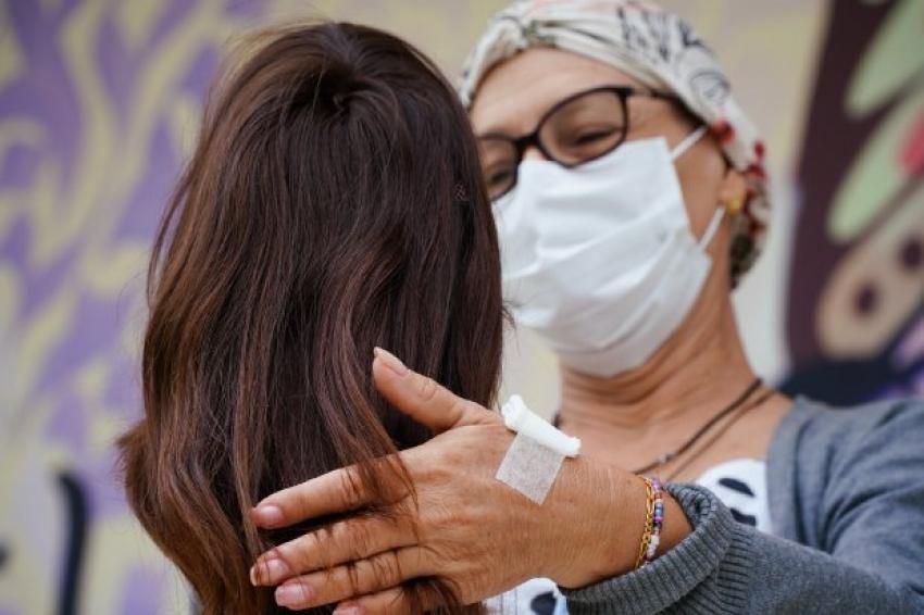 Governadora sanciona lei que institui Campanha de Conscientização e Incentivo à Doação de Cabelos em SC