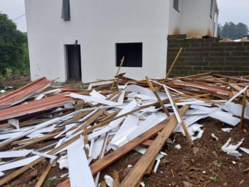 Defesa Civil confirma passagem de tornado em Guatambu