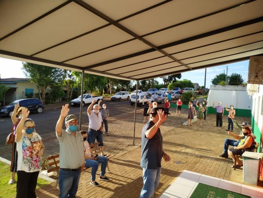 Sábado D de vacinação imunizou mais de 160 idosos em São Domingos e nova etapa acontece durante a semana